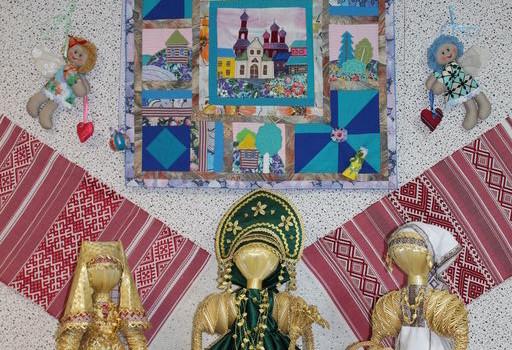 Межрайонная выставка «Мир кукол»