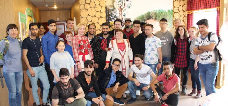 Иностранные студенты из УдГУ