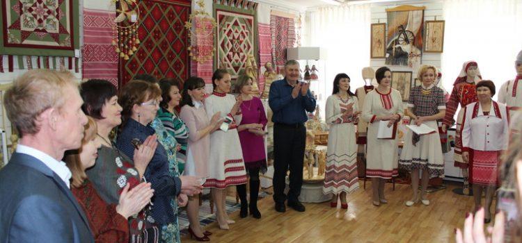 Отчётная выставка Дебёсского Дома ремёсел в г. Ижевске