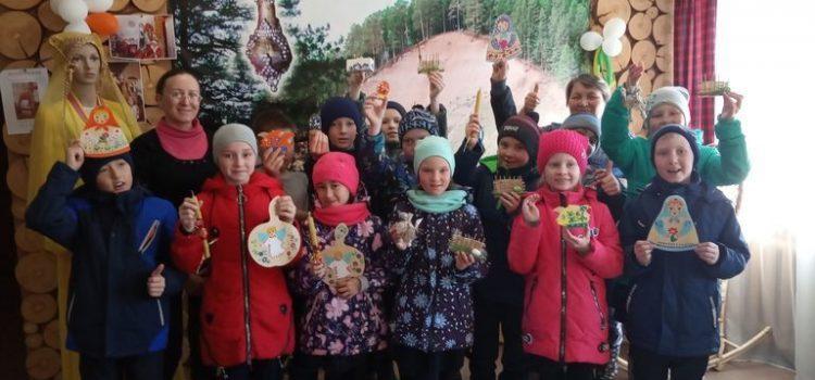 Учащиеся Заречномедлинской средней школы